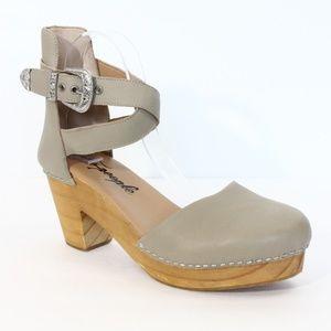 Free People Andorra Clogs sz 40 Platform Shoes NEW